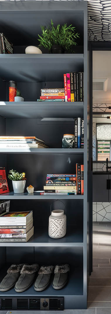DIY: Style Your Bookshelf