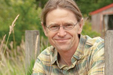 Acclaimed author Thor Hanson reveals remarkable stories of species' responses to climate change.